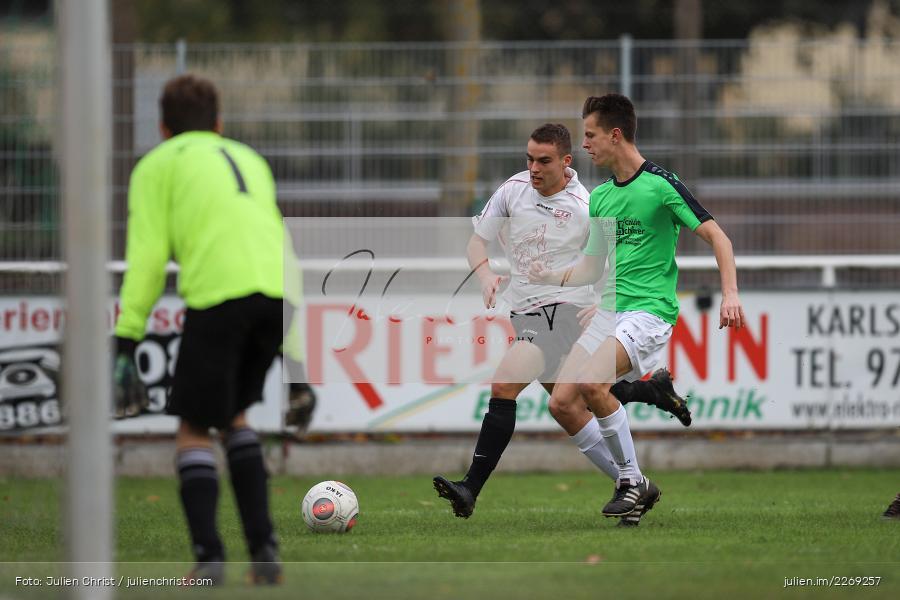 Luca Röder, Alexander Knaub, Mika Beckert, 19.10.2019, U19 Bezirksoberliga Unterfranken, (SG) TSV/DJK Wiesentheid, (SG) FV Karlstadt - Bild-ID: 2269257