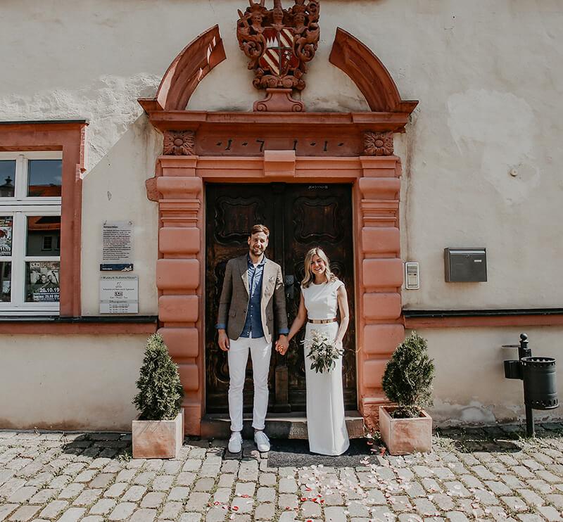 Lisa + Felix: Hochzeit am Huttenschloss in Gemünden