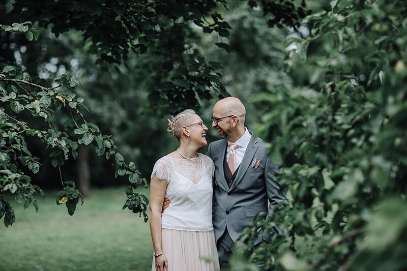 Caro + Thomas: August-Hochzeit auf der Vogelsburg